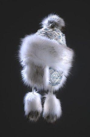 fehér színű szőrme sapka polár béléssel