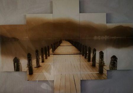 Tengerparti kép antik hatású mólóval