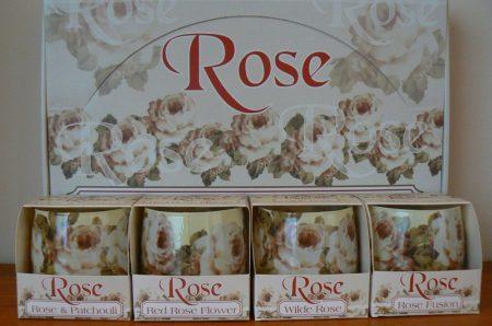 Különleges illatgyertya rózsa illattal díszdobozzal