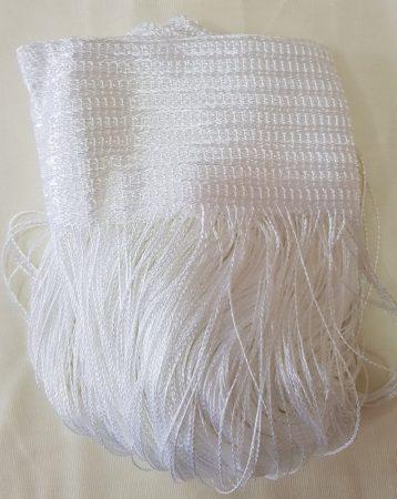 zsinór függönyök fehér színben