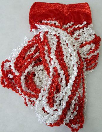 zsenília függönyök piros fehér színben